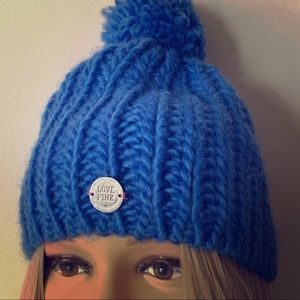 💙PINK💙 VICTORIAS SECRET KNIT BEANIE HAT